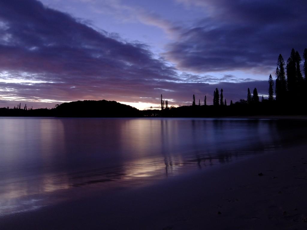 イルデパン島 夕方のカヌメラビーチ