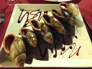 イルデパン島 ウレテラホテルのレストランにて(巨大エスカルゴ)