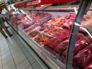 ニューカレドニアのスーパーではお肉はこうやって売られている!