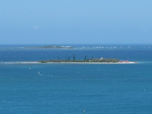 アンスバタから望むカナール島とメトル島